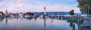Lindauer Hafeneinfahrt | Leuchtturm