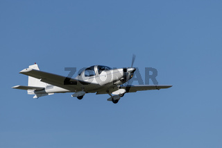 Single-engine sports plane