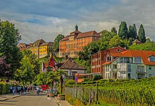 Meersburg am Bodensee mit  Droste-Hülshoff-Gymnasium