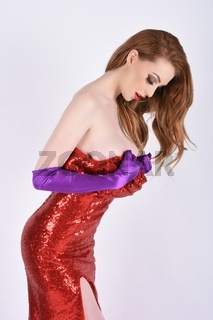 Umwerfendes, grosses, schlankes, vollbusiges, rothaariges, Model, verkleidet als sexy Jessica Rabbit