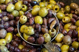Seasoned black and green olives