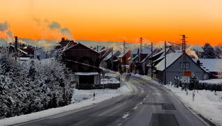 Blick über Siptenfelde im Harz bei Sonnenaufgang
