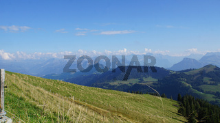 Schweizer Berge im Herbst