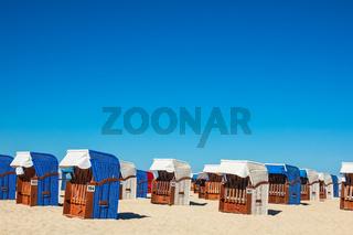 Strandkörbe am Strand von Warnemünde