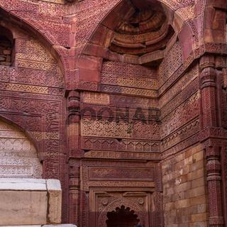 Fresco, Motifs and Tomb of Iltutmish in the Jain Temple inside Qutb Minar Complex. UNESCO World Heritage in Delhi, India, Asia.