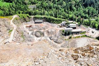 aktiver Steinbruch im Schwarzwald