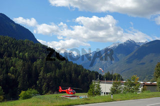 Rettungshubschrauber OE-XHH in Tirol