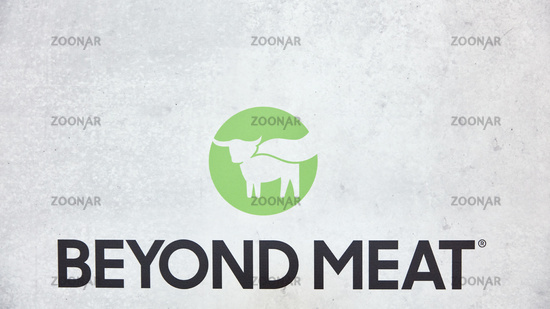 KÖLN, OKTOBER 2019: Beyond Meat Logo auf der ANUGA Messe