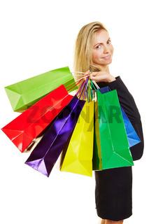 Frau mit Plastiktüten beim Shopping