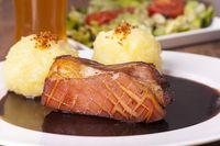 Bayerischer Schweinebraten mit Kartoffelknödeln