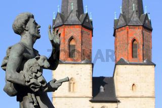 Hallmarkt und Marienkirche