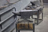 Massive anvil for craft metal forging