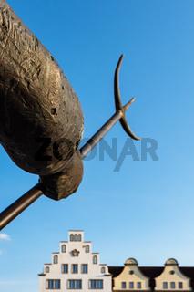Skulptur auf dem Neuen Markt in Rostock