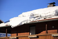 many snow on roof top