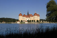 Hunting castle Moritzburg at blue sky6