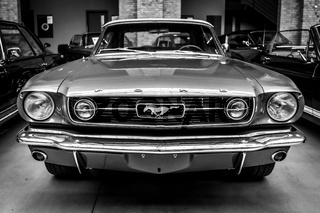 Pony car Ford Mustang (first generation).