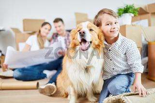Junge und sein Hund als bester Freund