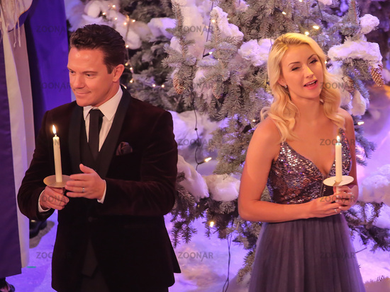Anna-Carina Woitschack with friend Stefan Mross at Advent of the 100000 lights on 30.11.2019 in Suhl