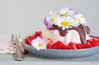 vanilla strawberry ice cream with chocolate and strawberry salad