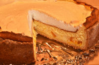 Mandarin cheese cake with meringue