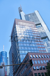 Hochhäuser mit Büros im Bankenviertel von Frankfurt