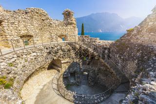 Riva del Garda, Blick von der Burgruine Il Bastione auf den Gardasee, Trient, Italien