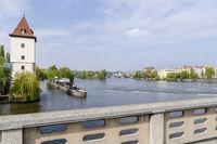 Auf der Jirásek Brücke
