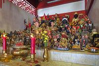 Altar im chinesischen Sam Kong Shrine,  Phuket, Thailand
