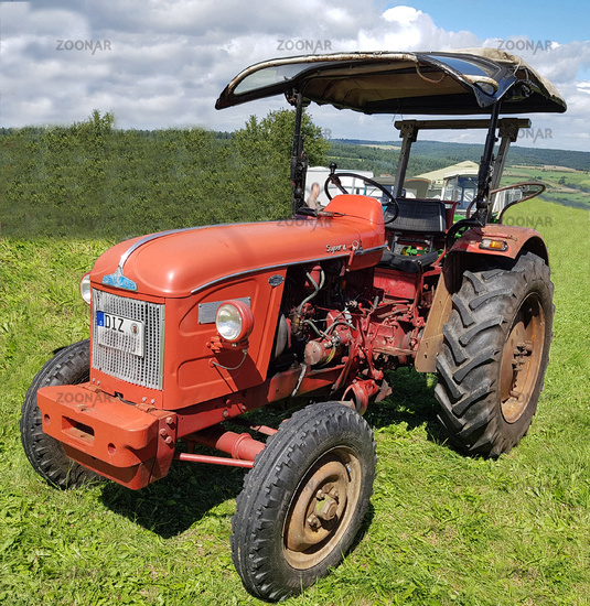 Traktor, Porsche, Renault, Super 4, Oldtimer