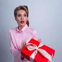 Woman refuse gift