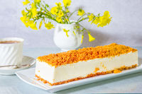 Cheesecake with crumbs