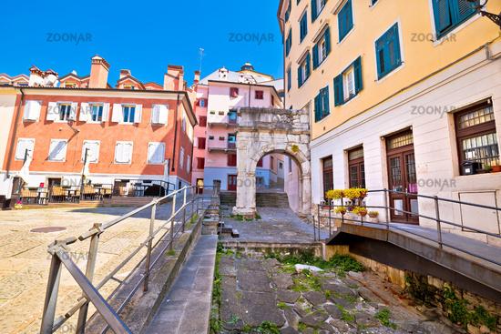 Arco di Riccardo colorful square in Trieste street view