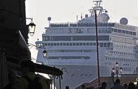 cruiser in Venice