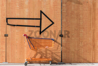 With the shopping cart always on the arrow after shoppingtour