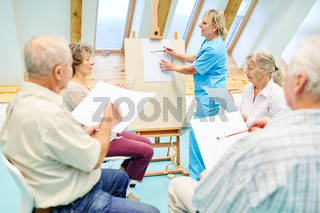 Senioren mit Demenz im Zeichenkurs