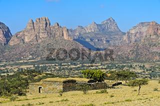 Grosser Afrikanischer Grabenbruch, Gheralta Bergmassiv über der Hawzien Ebene, Tigray, Äthiopien