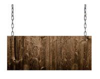 altes Holzschild hängt an Ketten