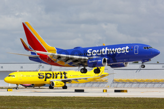 Southwest Airlines Boeing 737-700 airplane Fort Lauderdale airport