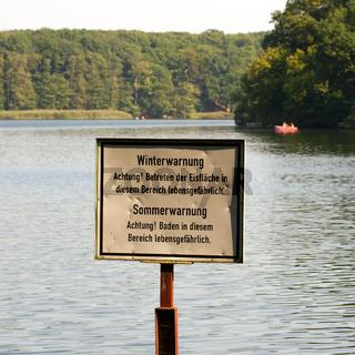 Schilder in Berlin. 002