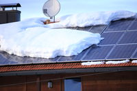 many snow on a solar roof