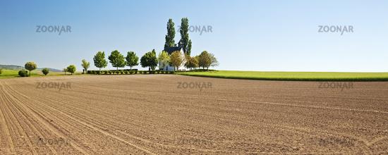 field landscape with little chapel Heilig-Kreuz-Kapelle, Mertloch, Eifel, Germany, Europe