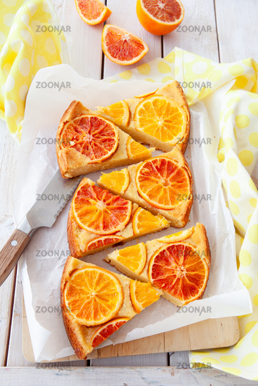 Sponge cake with candied oranges