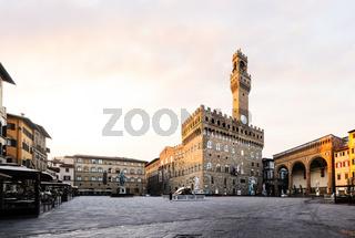 Piazza della Signoria on sunrise