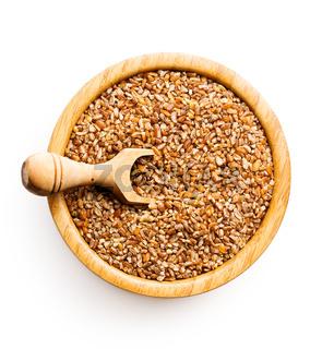 Dry bulgur wheat grains.