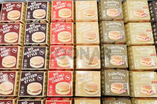 KÖLN, OKTOBER 2019: Viele Sorten Hamburger auf ANUGA Messe