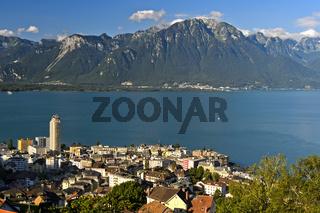Blick über Montreux am Genfersee, Waadt, Schweiz