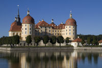 Hunting castle Moritzburg at blue sky8
