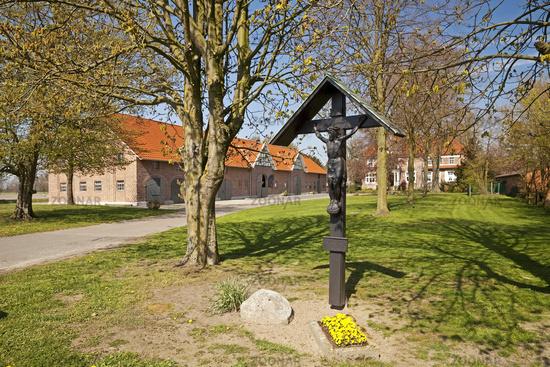 Farm with Hofkreuz, Greven, Muensterland, North Rhine-Westphalia, Germany, Europe