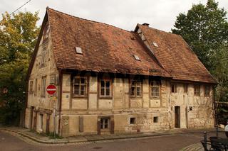 Historisches Fachwerkhaus an einer Strassenecke in Stuttgart Heslach