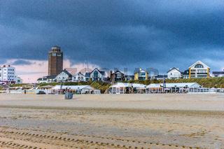 Dramatische Stimmung an der holländischen Nordseeküste.
